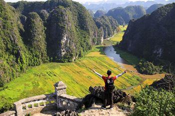 Tour Hoa Lư Hang Múa Tràng an 1 Ngày