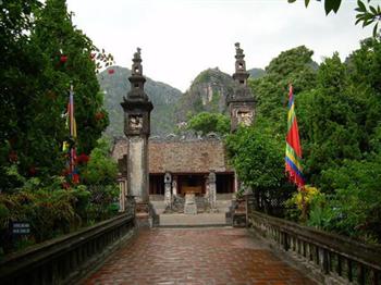 TOUR HOA LƯ TAM CỐC CÚC PHƯƠNG 2 NGÀY